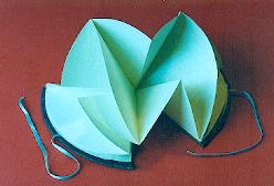 Peter Taylor teaches artists book creation workshops that include this circular book design.